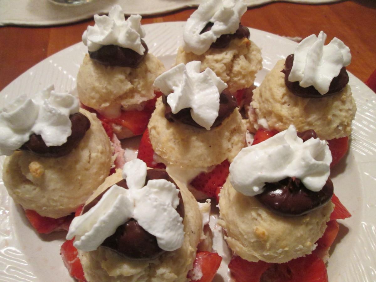 "Strawberry Shortcake ""Sliders"" | The Charmed Kitchen"